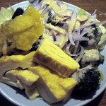 北の味紀行と地酒 北海道 - サラダは取り放題です