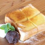 リスタイル プラスカフェ - 厚切りトースト(小倉とホイップを添えて)