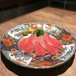 恵比寿焼肉寿司 別邸 - 牛肉刺し 和牛特上バラ