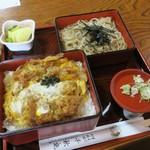 千秋庵 - セットざるカツ重(¥1.230)