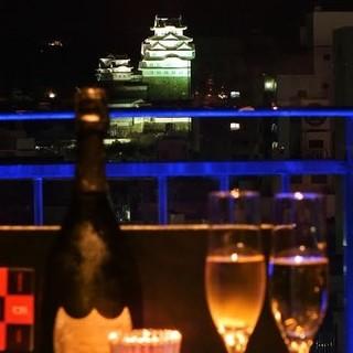 テーブル個室姫路城と夜景が広がる大人の上質空間