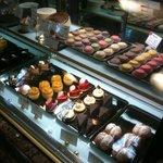 カフェドゥラプレス - ケーキケース