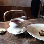 65481146 - 紅茶とロウケーキ