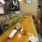 吉野鮨本店 - 檜の厚い一枚板・