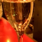 65493676 - スパークリングワインで乾杯