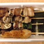 65494061 - やきとり弁当バラエティ(たれ) ¥565