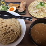 春樹 - 野菜つけ麺(大盛) ¥930