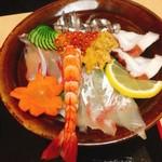 ひらはた - 同僚の頼んだ海鮮丼1200円(^^)