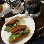 エビアンコーヒー - ホットドッグセット(650円)