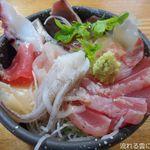 とん亭 - 料理写真:朝とれてんこ丼