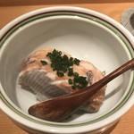 Shigeru - 温かい鱒寿司