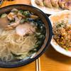 金正 - 料理写真:塩ラーメン+半チャーハン