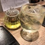 味甘CLUB - 玄米茶(ポット・冷)注いだ後