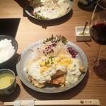 とり田 - 4月のランチ☆チキン南蛮 赤ワインで頂きます!