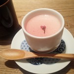 とり田 - 今日は特別デザートまで☆桜ソースのパンナコッタ
