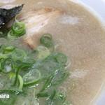 とんこつラーメン 豚のむら - 料理写真:豚骨ラーメン 580円