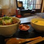 骨董カフェ 和み屋 - ご飯