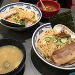 つけ麺や 武双 - 魚介だしのつけ麺と、鶏白湯のつけ麺。