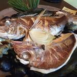 65521367 - 鯛とサザエの宝らく焼き