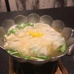 お料理 七草 - 鱶鰭 鱈白子の松茸風味の小鍋