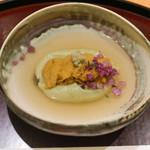 日本料理 太月 - グリーンピース胡麻豆腐、ウニ