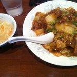 龍盛菜館 - 牛バラ丼