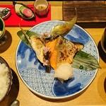 銀座米料亭 八代目儀兵衛 - 季節の焼き魚の二種盛り銀シャリ御膳1,520円(税込)
