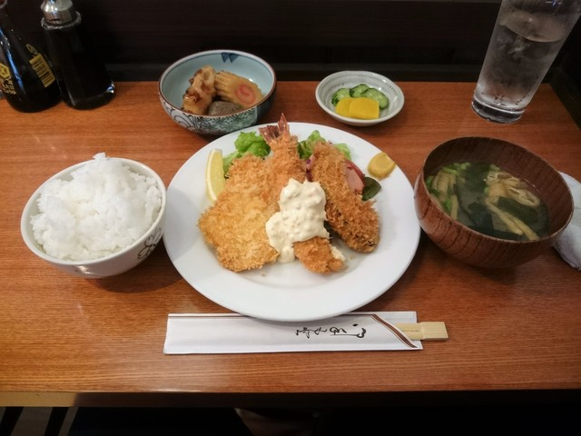 紅亭 - おまかせランチ:ミックスフライとおでん種の甘辛煮(\1,080)