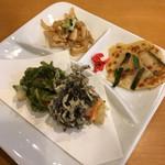 レストラン オキナワ - ミミガー チヂミ もずくと海苔の天ぷら