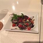 REGGINA - 牛肉の赤ワイン漬け 450円(税込)