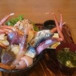 男鹿海鮮料理 三代目ほたる - 本日の海鮮丼
