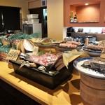 雲丹と海老の専門店 魚魚魚 - ランチタイムの勝手に海鮮丼