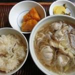 三瀬そば - そば定食:鳥そば・炊き込み御飯・小鉢:820円