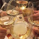 ハングリータイガー - ワインでも乾杯です( ^ω^ )