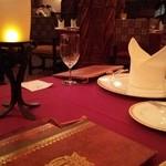 マゼランズ - テーブル