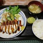 料理酒房勝 - 料理写真:チーズな!!メンチ勝ランチ@950円