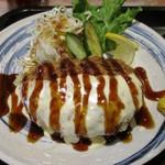 料理酒房勝 - チーズたっぷり~ 柔らかジューシーメンチカツ