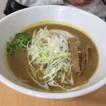 65558001 - 鶏豚カレーラーメン(830円)