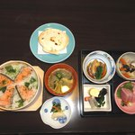 まつ井 - お昼お料理 2100円~3150円 鮭のわっぱ飯 は大人気