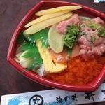 海鮮市場 丼丸 高井田店 - まんぷく丼(540円) 数の子トッピング