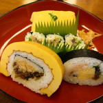 Hachiku - H29.03 茶巾、太巻き2種、鯖紫蘇3切れ ¥1,250