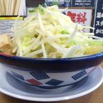 太一商店 - 「ラーメン(野菜多・背脂普・ニンニク多・タレ普)」680円