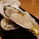 バール ウギャッデ - 兵庫県室津産殻牡蠣