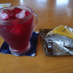 まあむ - 料理写真:しそジュースとかぼちゃケーキ