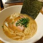 らー麺 鉄山靠 - 醤油豚骨750円