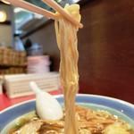 65569595 - 麺は細麺