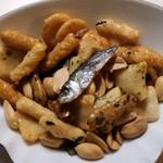 松倉 - 9種のあられに魚介、ピーナッツなどなど