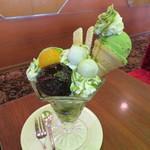 珈琲西武 - 抹茶パフェ