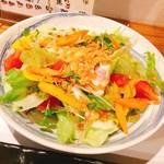 スミヤキ さんぽ - 料理写真:いろどり野菜のサラダ