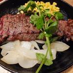 神田の肉バル RUMP CAP - 肉屋のサーロインステーキ(250g)